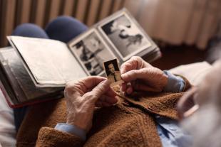 Com gestionar els primers oblits de memòria? Alzheimer